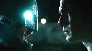 蝙蝠侠大战超人,DC的两大巨头,终于正面硬刚了!