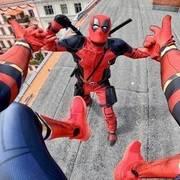当蜘蛛侠碰到死侍!真人版第一人称视角跑酷
