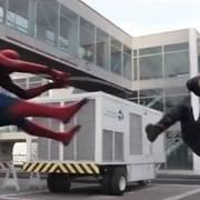 漫威美队3中的内战,蜘蛛侠对战美国队长,还是太年轻啊