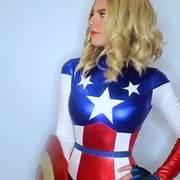 外国小姐姐cos美国队长,这模样,让我已经忘记了原版