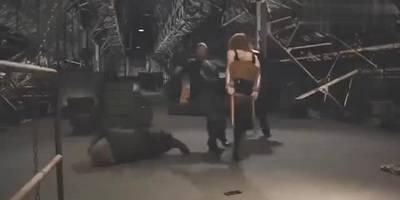 黑寡妇被俘施展美人计,高超身手很是引人注目