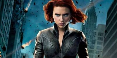 黑寡妇第一次登场,连钢铁侠都被惊艳到了